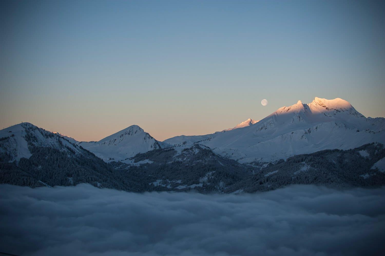 La montagne en hiver - Neige à Avoriaz en Savoie | Mer de nuages par Pierre